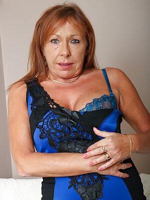 Big Tits Cougar
